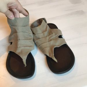 Mia taupe sandals with button close